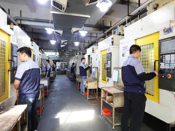 迪越精工-CNC加工中心