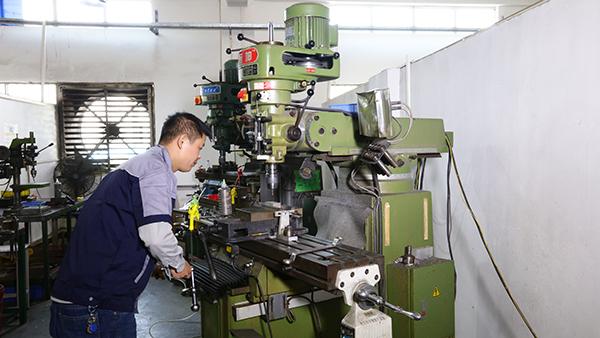 浅析迪越精工精密cnc零件加工工艺流程