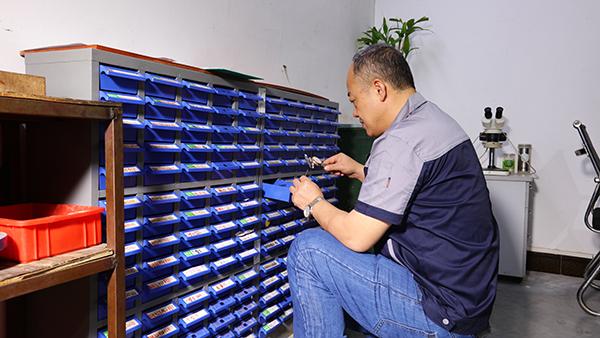关于通讯腔体精密零件除锈方法的分析